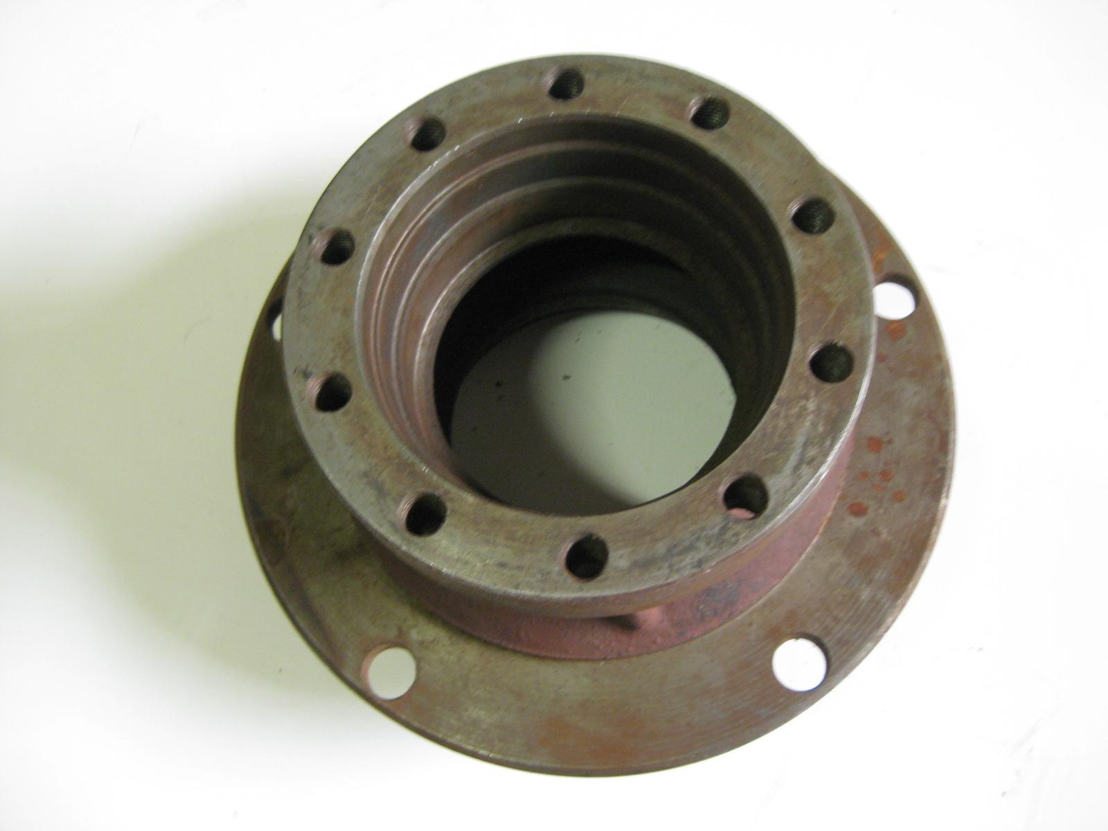 náboj kola (4x4) V8-7